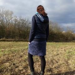 zimní modrá sukně