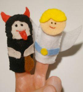 prstové divadlo, figurky anděl a čert, je to Bájo