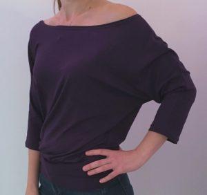 dámské tričko s netopýřími rukávy, ruční výroba, vyrobené v česku, tmavě fialové, je to bájo