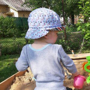 Letní dvoukrempový klobouček pro dítě. Ideální ochrana před sluníčkem. ručně šité v čer, Je to Bájo
