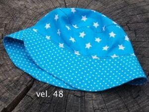 Letní klobouček pro dítě. Tyrksový s hvězdami a puntíčky. vyrobeno ručně v čr. jetobájo