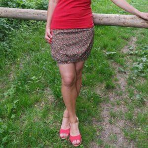Veselá sukně z pružného úpletu. vzor barevných kapek. Jedna kapsa. ručně šité, jetobajo