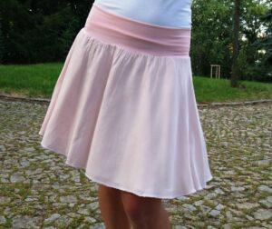 kolá sukně v pudrové barvě, lehounká, dvouvrstvá, vhodná i na svatbu. vyroveno v čr, ušito s láskou u jetobájo